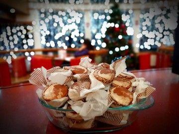 Polvorones de Tejeda para celebrar la Navidad en el Grupo Armas-Trasmediterránea
