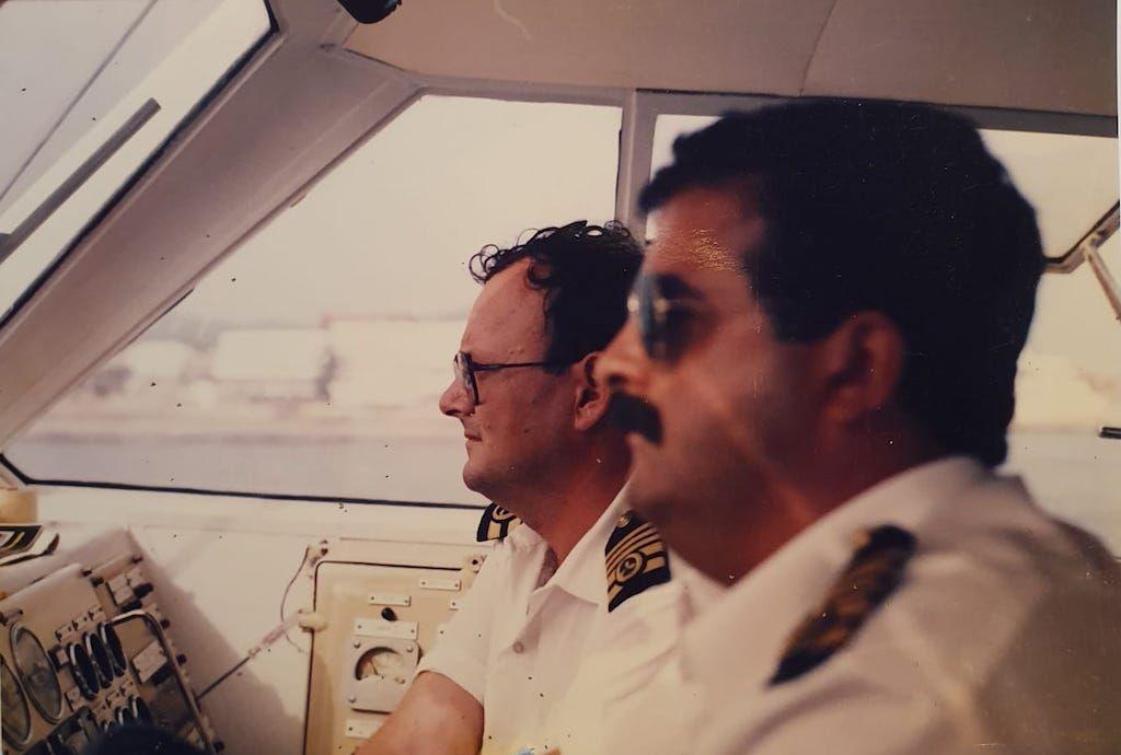 El capitán Francisco de Villalonga y el jefe de máquinas Gabriel Coll