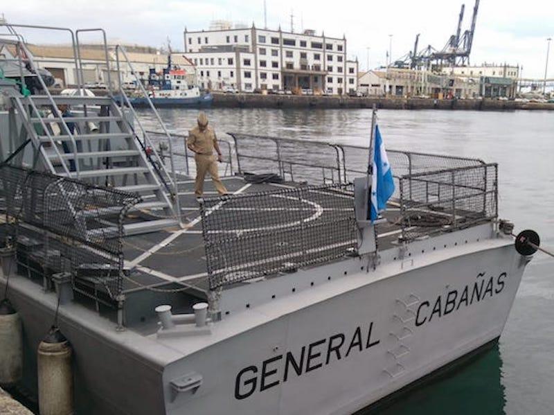 El buque está en viaje de entrega al Gobierno de Honduras