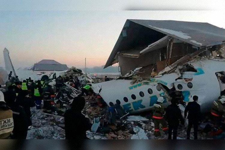 El avión F100 de Ben Air se precipitó sobre una zona poblada