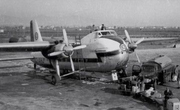 Uno de los aviones Bristol 170 de Iberia, posiblemente en el aeropuerto de Palma