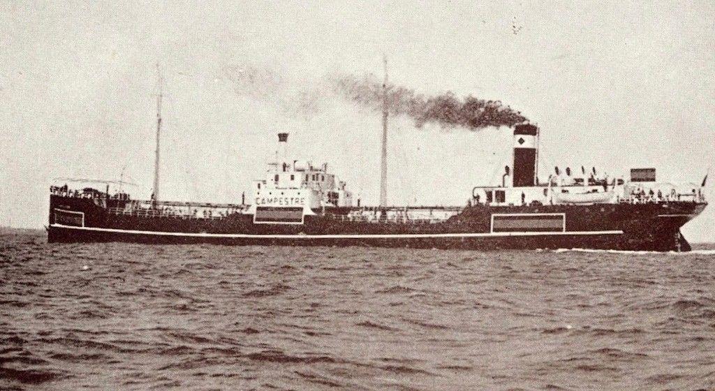 """El petrolero """"Campestre"""", en sus pruebas de mar durante la Segunda Guerra Mundial"""