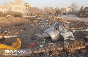 Restos del avión siniestrado en las proximidades del aeropuerto de Teherán