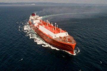 """El buque metanero """"Rías Baixas Knutsen"""", en pruebas de mar"""