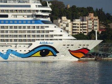 """El buque """"Aidamar"""" estrenó 2020 en el puerto de Cartagena"""