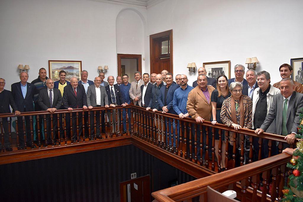 Foto de familia de los asistentes ayer a la reunión de ACCOMAR en el Club Inglés de Las Palmas de Gran Canaria