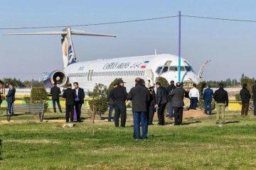 A priori no parece que el avión tenga daños estructurales graves
