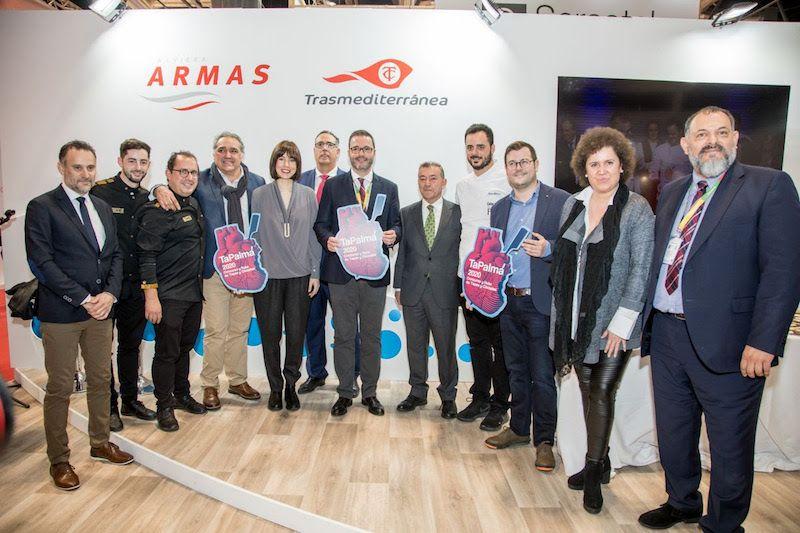 Foto de familia con el alcalde de Palma en la presentación de TaPalma 2020