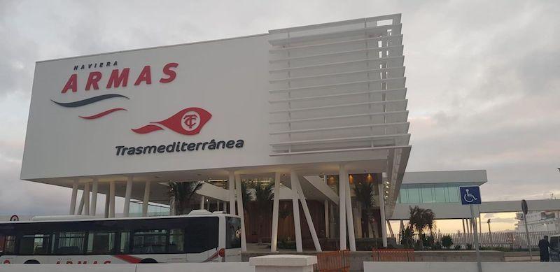 Fachada de la nueva terminal de Naviera Armas Trasmediterránea en el puerto de Las Palmas