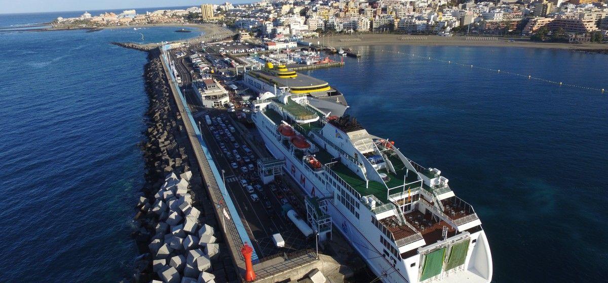 Panorámica del puerto de  Los Cristianos