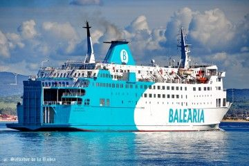 "El buque ""Poeta López Anglada"" cubre la línea Algeciras-Tánger Med"