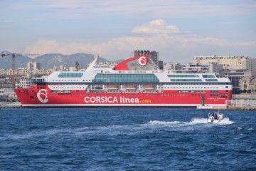 """""""Danielle Casanova"""", uno de los barcos de Corsica Linea"""