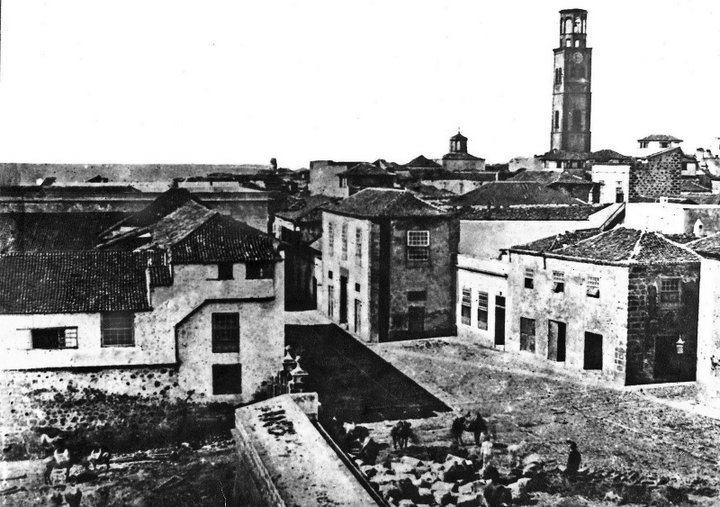 La calle del general Gutiérrez, en Santa Cruz de Tenerife, a finales del siglo XIX