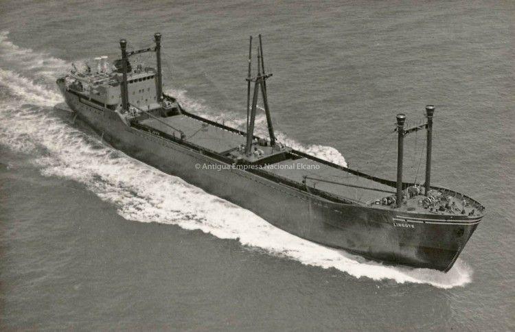 El barco tenía dos bodegas y puntales para las operaciones de carga y/o descarga