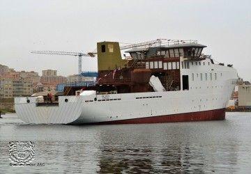 El nuevo buque, tras su puesta a flote