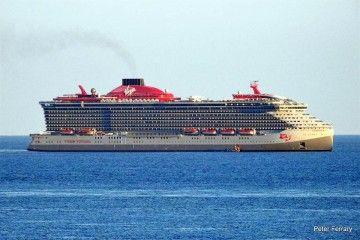 """Estampa marinera del buque """"Scarlet Lady"""", en las proximidades de Gibraltar"""