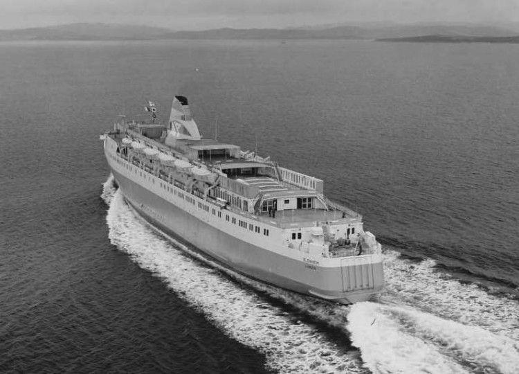 """El ferry británico """"Blenheim"""", en pruebas de mar"""