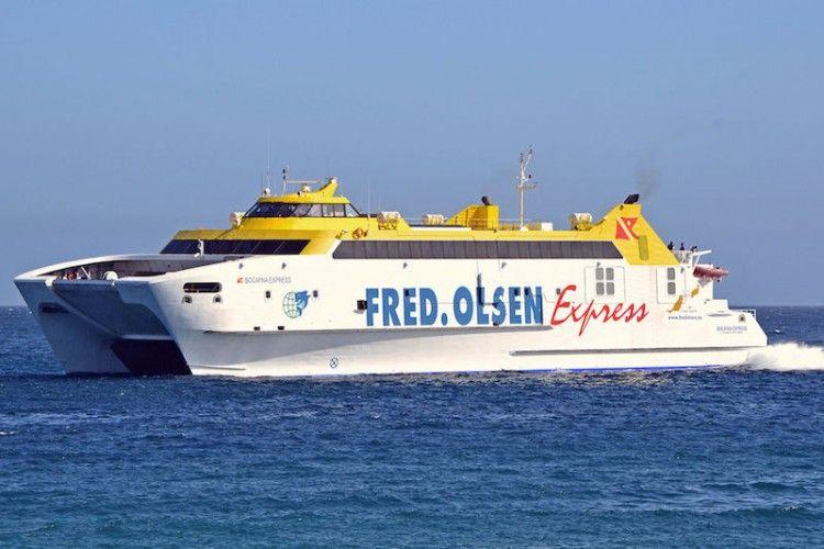 """El catamarán """"Bocayna Express"""" ha sufrido un accidente en Playa Blanca"""