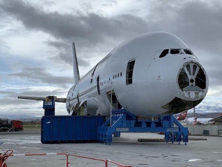 El A380 más antiguo se está desguazando en Tarbes