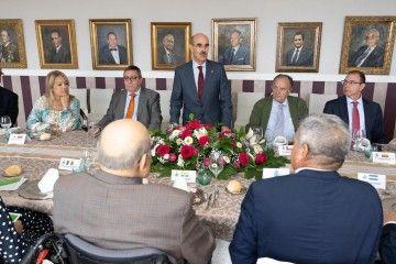 El decano del Cuerpo Consular, Francisco Perera, en su intervención