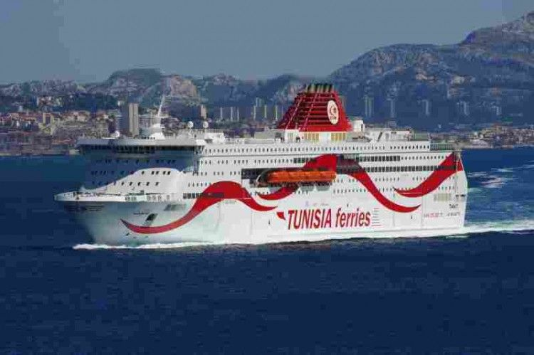 "El ferry tunecino ""Tanit"" llegará hoy a Cádiz"