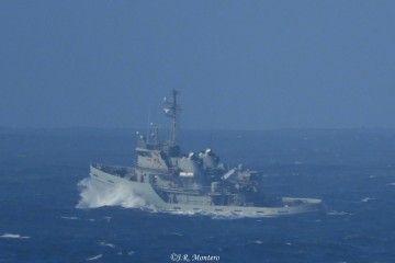 """El remolcador """"Mahón"""" (A-51), navegando en aguas gallegas"""