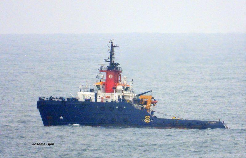 """El remolcador """"VB Hispania"""" tiene el encargo de llevarlo al desguace"""