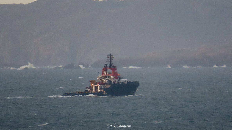 """El remolcador """"VB Hispania"""", a su llegada a la ría de Ferrol"""