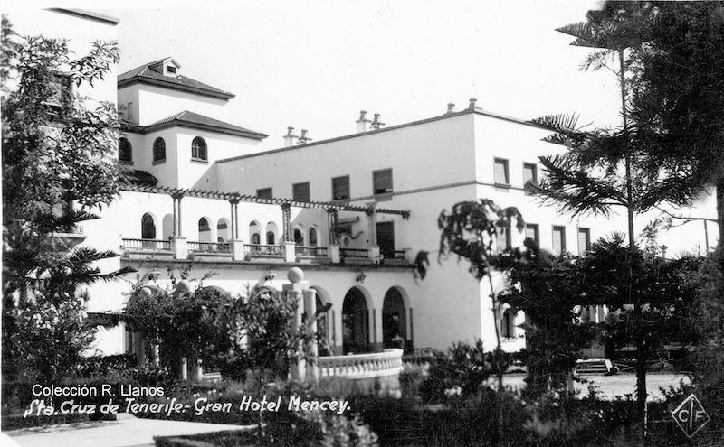 Jardines y terraza del hotel Mencey