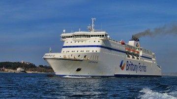 """El ferry """"Cap Finisterre"""", a su llegada a Santander"""