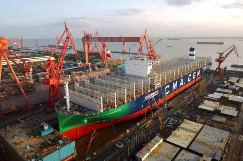 """El buque """"CMA CGM Jacques Saadé"""", en construcción en el astillero chino"""
