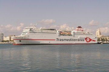 """El ferry """"Ciudad Autónoma Melilla"""" cubre la línea desde Málaga"""