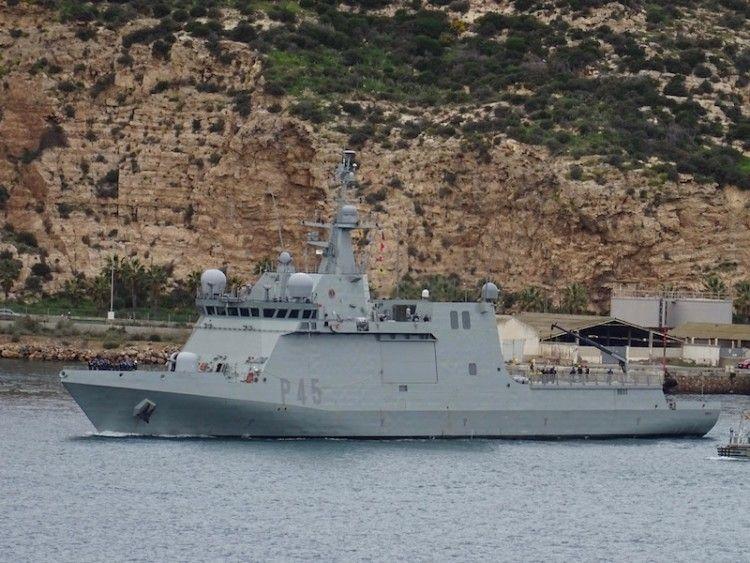 """El BAM """"Audaz"""", a su salida del arsenal militar de Cartagena"""