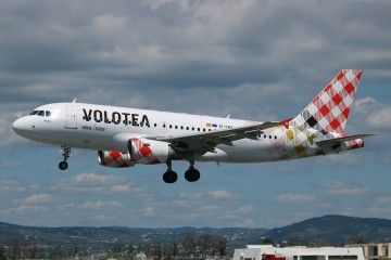 Volotea figura entre las aerolíneas que han recortado vuelos con Italia