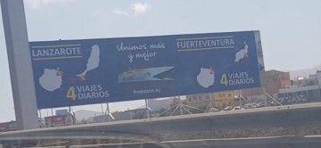 La valla publicitaria de Fred. Olsen confunde Lanzarote y Fuerteventura