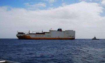 """El buque """"Grande Argentina"""", fondeado en el antepuerto tinerfeño"""