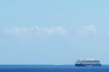 """El buque """"Mein Schiff 3"""", acercándose por el sur de Tenerife"""