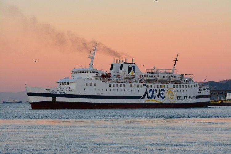 """Estampa marinera del ferry griego """"Vitsentzos Kornaros"""""""