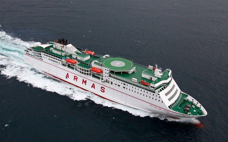 """El ferry """"Volcán del Teide"""" refuerza Lanzarote y Fuerteventura"""
