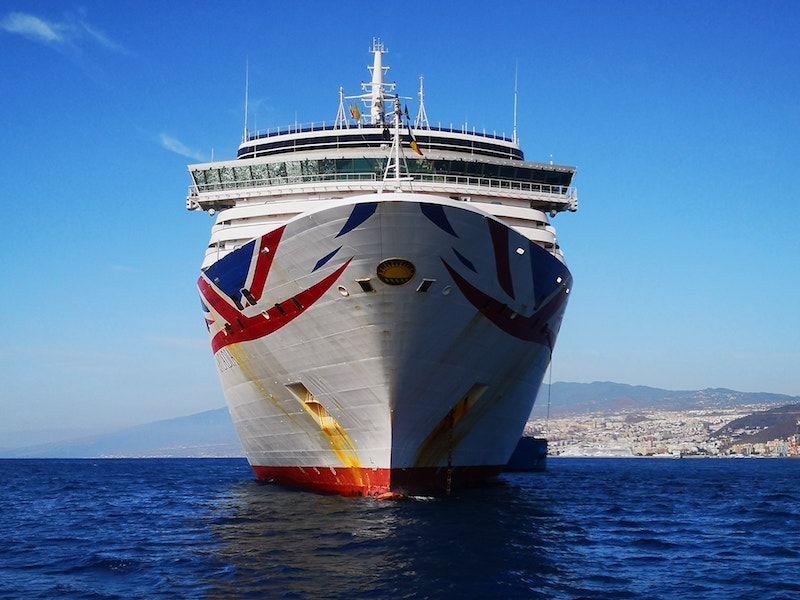"""Vista de proa del buque """"Arcadia"""""""