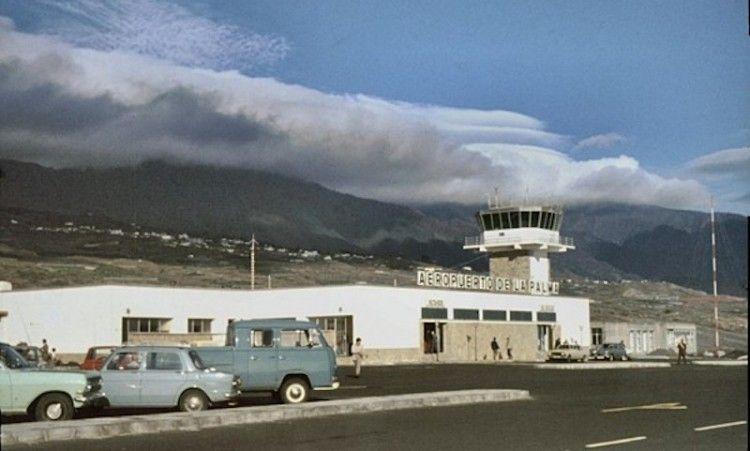 Vista exterior lado tierra de la primera terminal del aeropuerto de La Palma