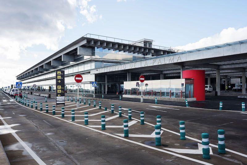 Acceso terrestre a la actual terminal del aeropuerto de La Palma