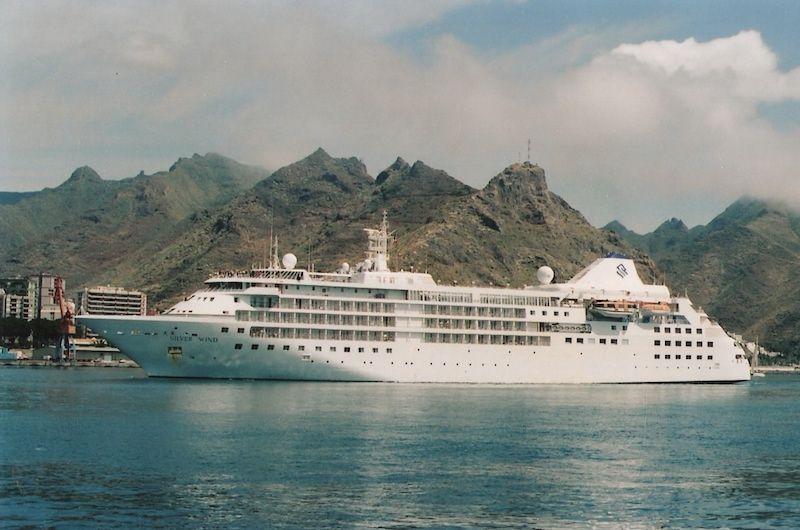 """El buque """"Silver Wind"""", en una anterior escala en Santa Cruz de Tenerife"""