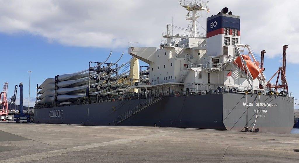 """El buque """"Jacob Oldendorff"""", atracado en el puerto de Las Palmas de Gran Canaria"""