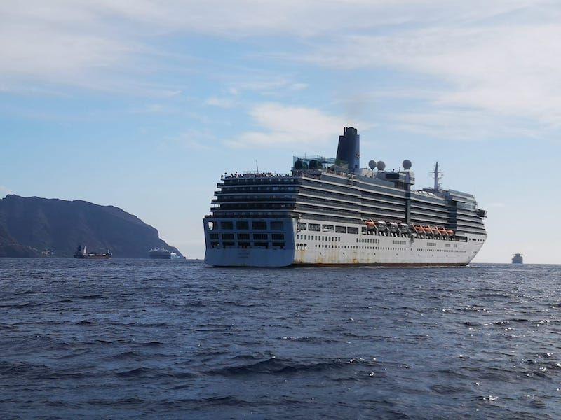 """El buque """"Arcadia"""" regresa de un largo viaje desde Australia"""