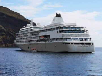 """El buque """"Silver Shadow"""", fondeado al resguardo de Anaga"""