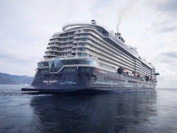 """El buque """"Mein Schiff 1"""", esta mañana, a tres millas del puerto de Santa Cruz de Tenerie"""