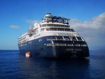 """El buque """"Silver Cloud"""", fondeado al resguardo de Anaga"""