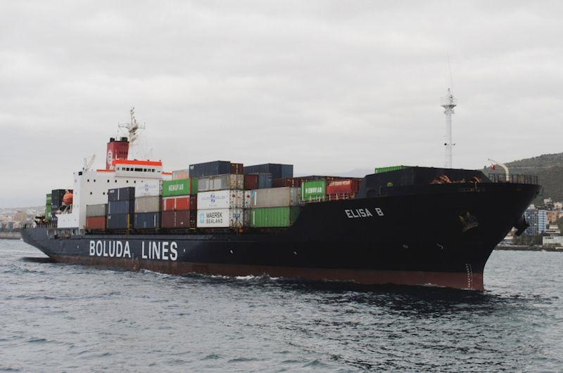 """El buque """"Elisa B"""" arriba al puerto de Santa Cruz de Tenerife"""