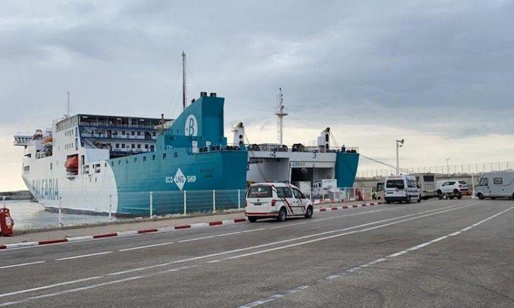 """Los dos viajes extraoardinarios están a cargo del buque """"Nápoles"""""""